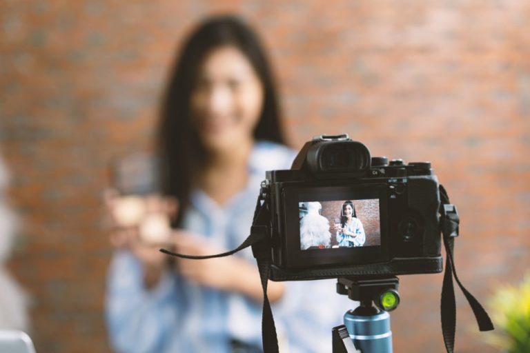The Best DSLR Camera for Blogging and Vlogging in 2020